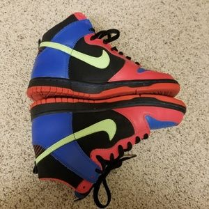 Nike Shoes - Nike High Top - Size 5.5 Youth